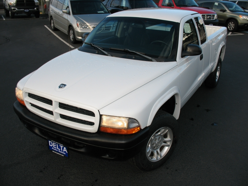 Dodge Dakota 2003 price $6,995