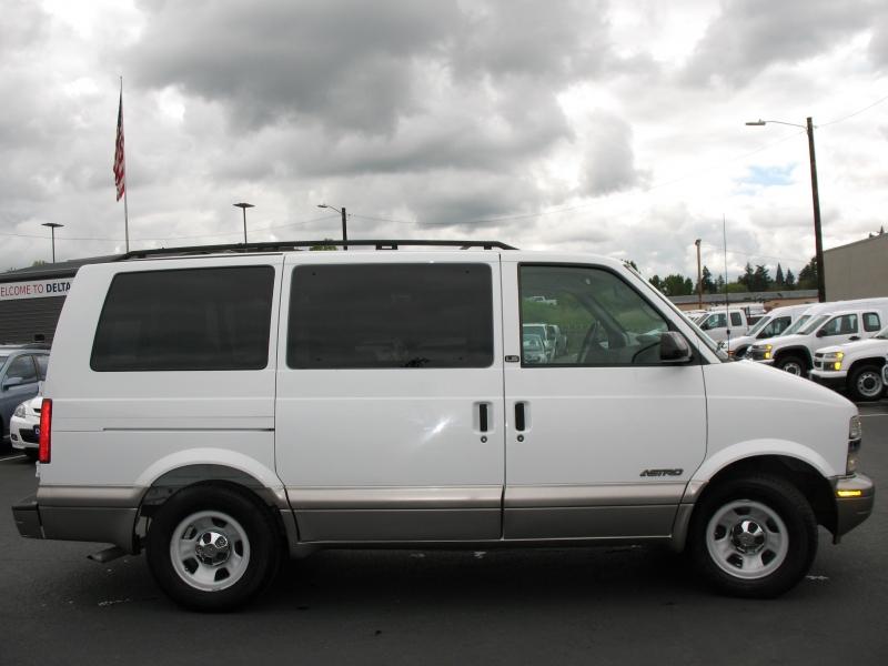 Chevrolet Astro Passenger 2002 price $8,995