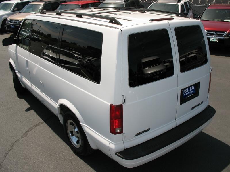 Chevrolet Astro Passenger 1999 price $8,995