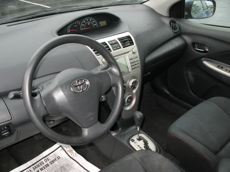 Toyota Yaris 2009 price $6,995