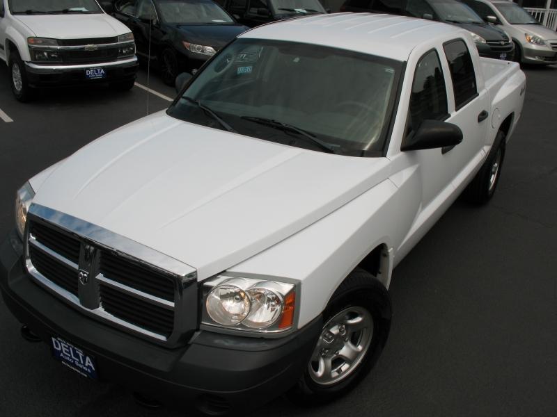 Dodge Dakota 2005 price $8,995