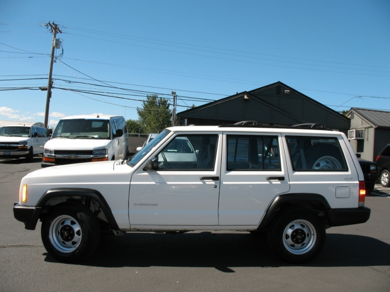 Jeep Cherokee 2001 price $9,495