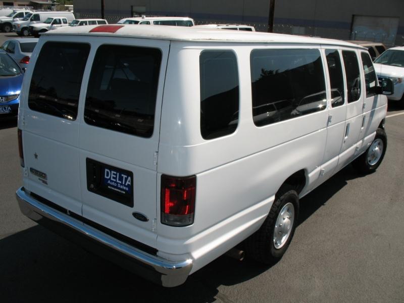 Ford Econoline Wagon 2006 price $8,995