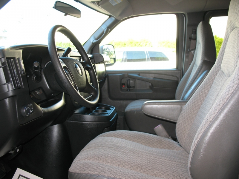 Chevrolet Express Passenger 2009 price $11,495