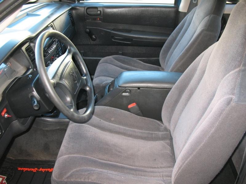 Dodge Dakota 2003 price $8,495