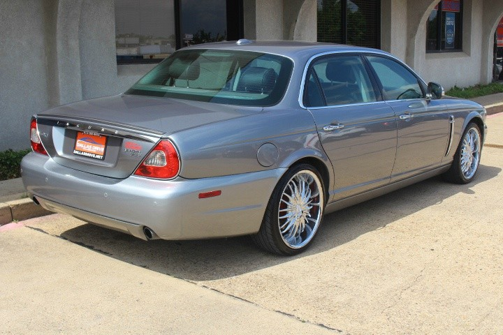 Jaguar XJ 2008 price $4,588
