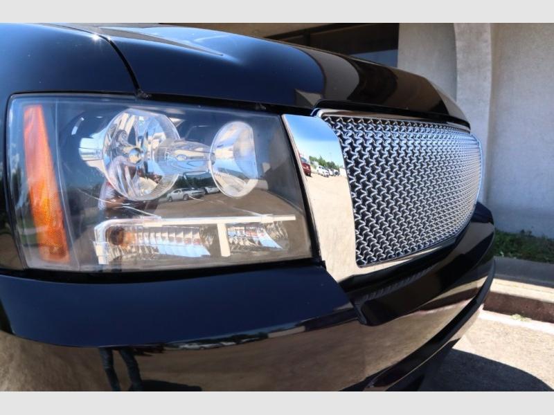 Chevrolet Avalanche 2009 price $9,988