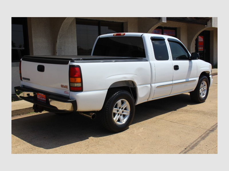 GMC Sierra 1500 2006 price $4,588