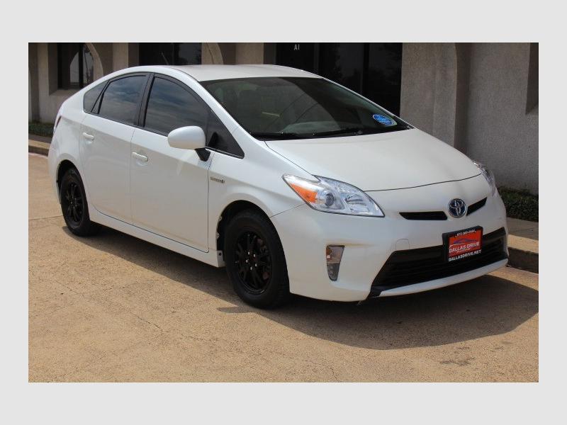 Toyota Prius 2015 price $9,988