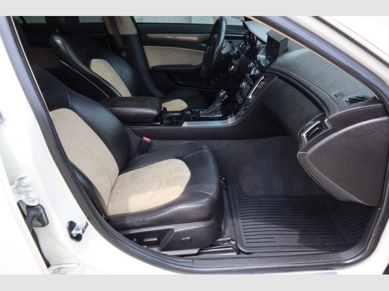 Cadillac CTS-V Sedan 2011 price $25,488