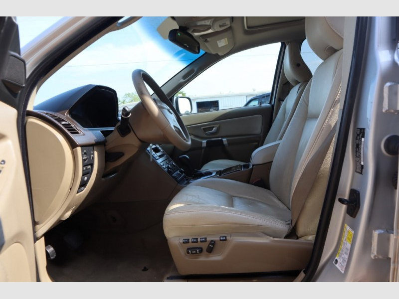 Volvo XC90 2010 price $9,988