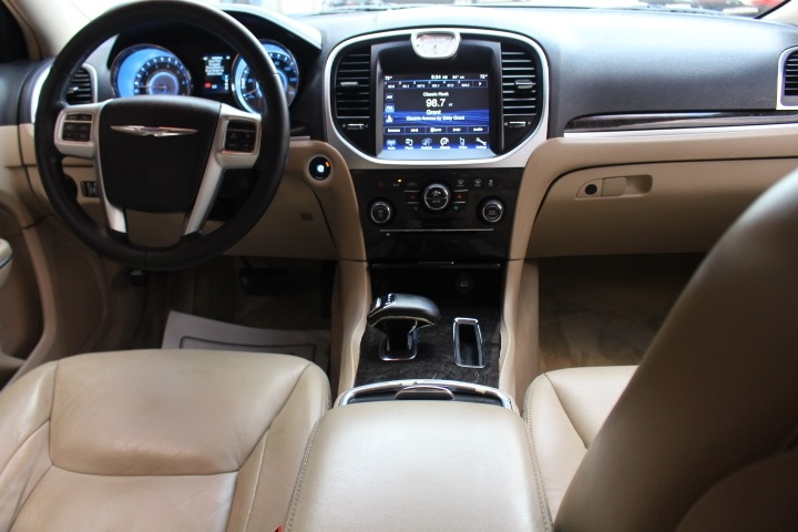 Chrysler 300 2013 price $9,388