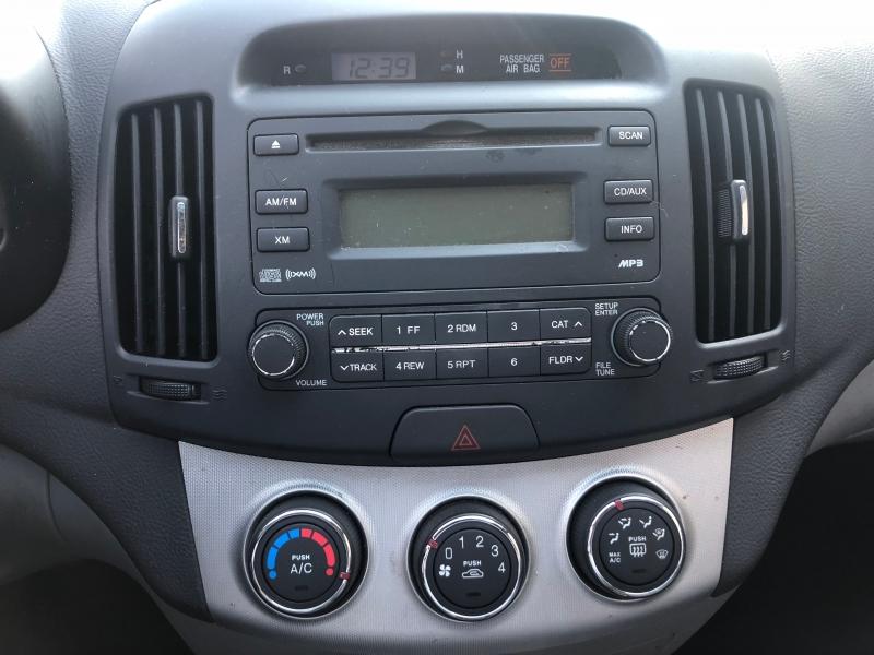 Hyundai Elantra 2009 price $3,988