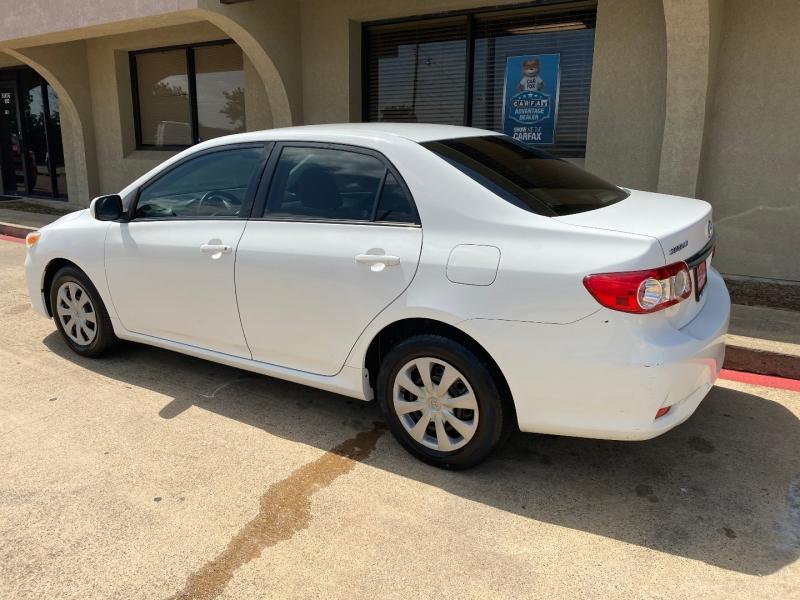 Toyota Corolla 2011 price $5,488