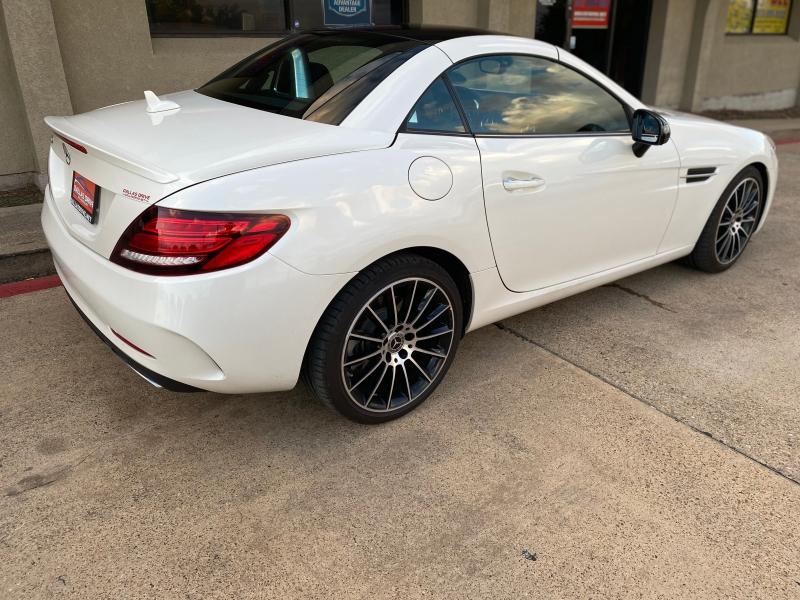 Mercedes-Benz SLC 2019 price $41,988