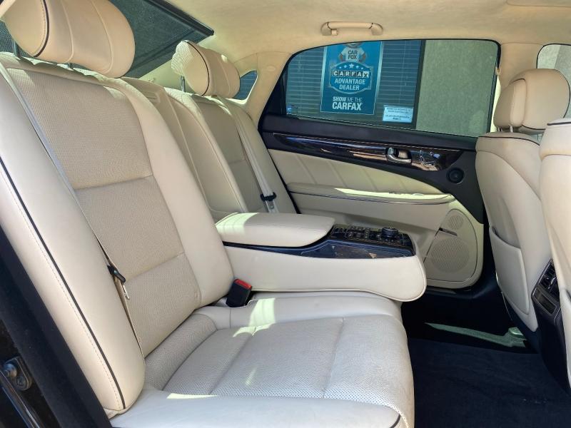 Hyundai Equus 2014 price $16,488