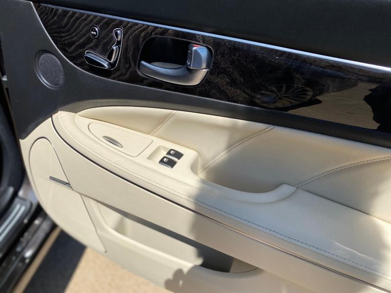 Hyundai Equus 2014 price $16,288