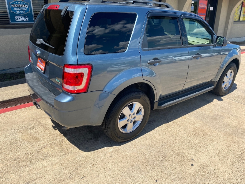 Ford Escape 2012 price $7,488