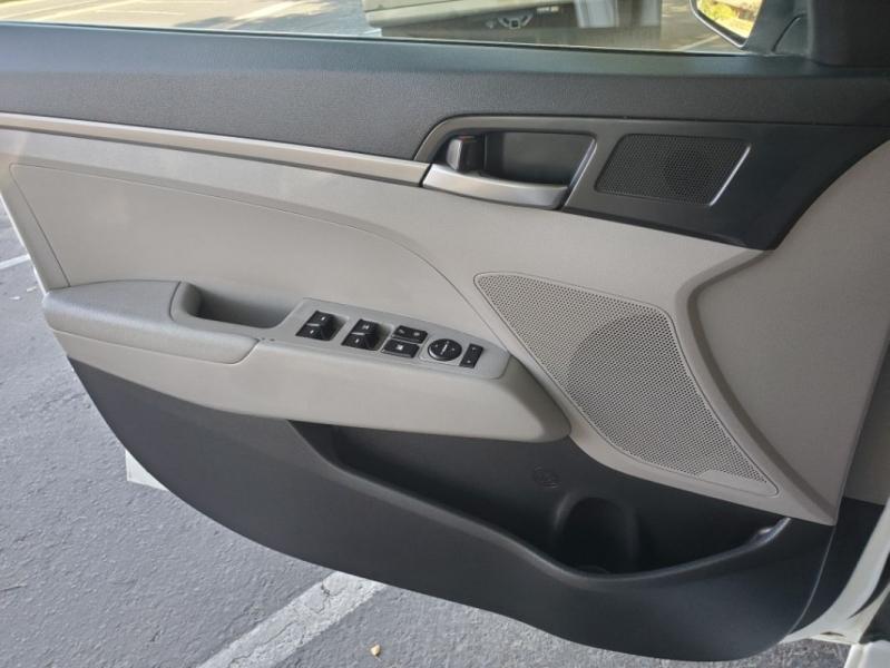 Hyundai Elantra 2017 price $10,695