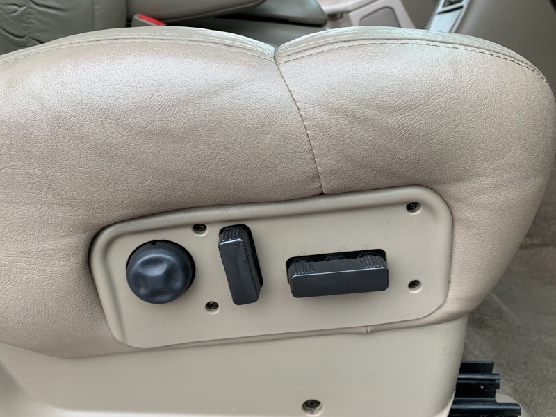 Chevrolet Silverado 2500HD 2002 price $10,988