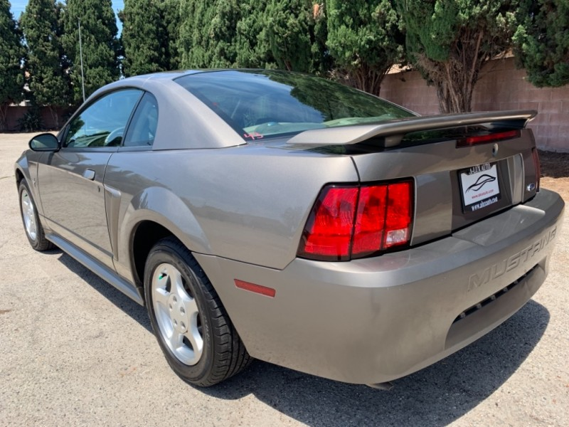 Ford Mustang 2002 price $3,999