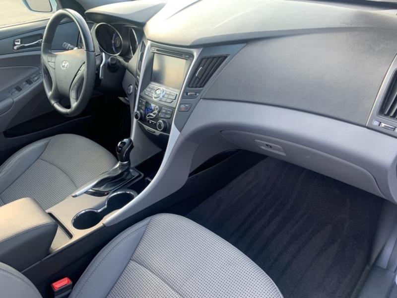 Hyundai Sonata 2012 price $8,999