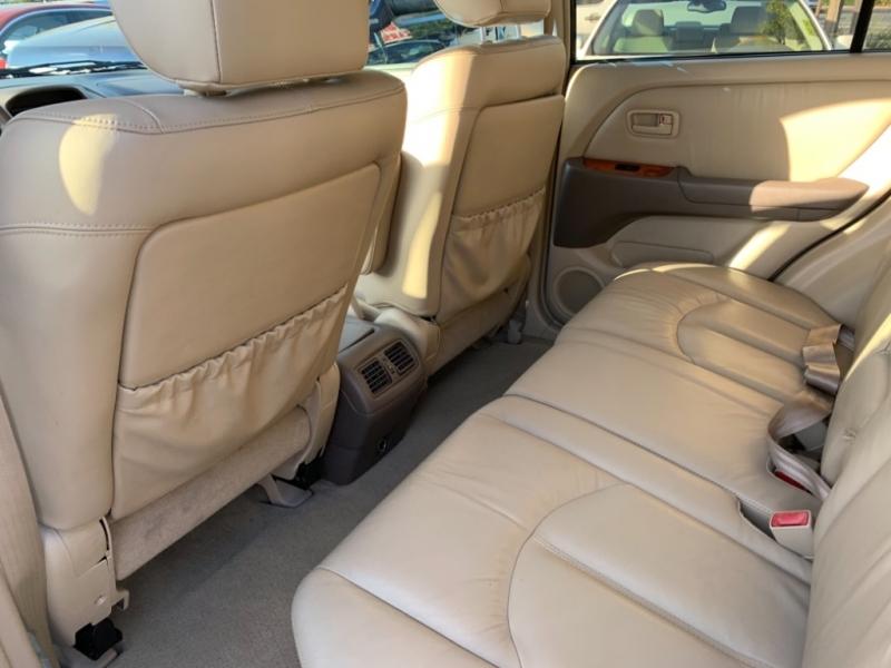 Lexus RX 300 2000 price $5,499
