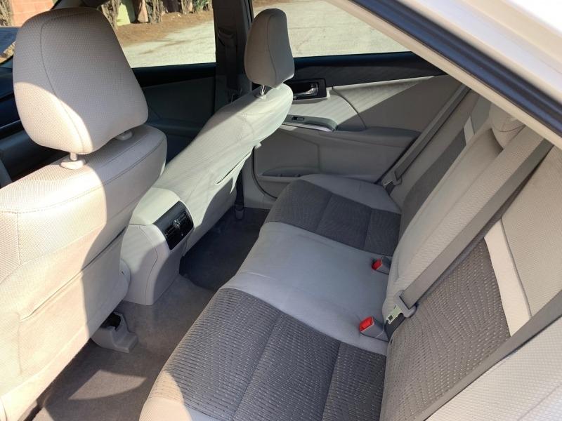 Toyota Camry Hybrid 2014 price $10,988