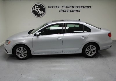 2015 Volkswagen Jetta Sedan 4dr Auto 1.8T SE w/Connectivity