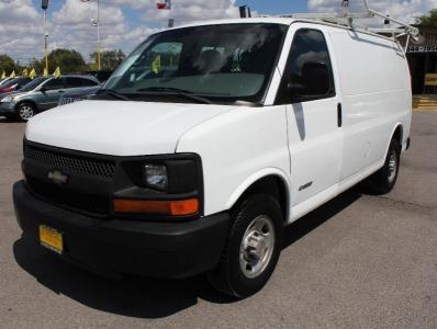 "2004 Chevrolet Express Cargo Van 2500 135"" WB RWD"