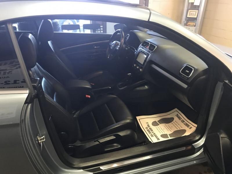 Volkswagen Eos 2013 price $8,995