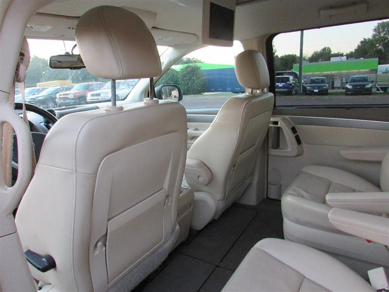 VOLKSWAGEN ROUTAN 2009 price $6,994