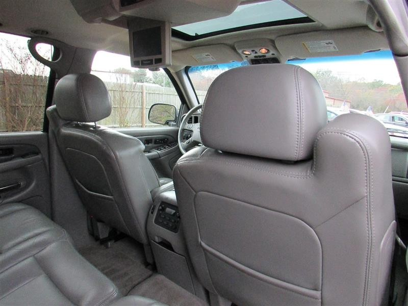 GMC YUKON XL DENALI 2006 price $11,994