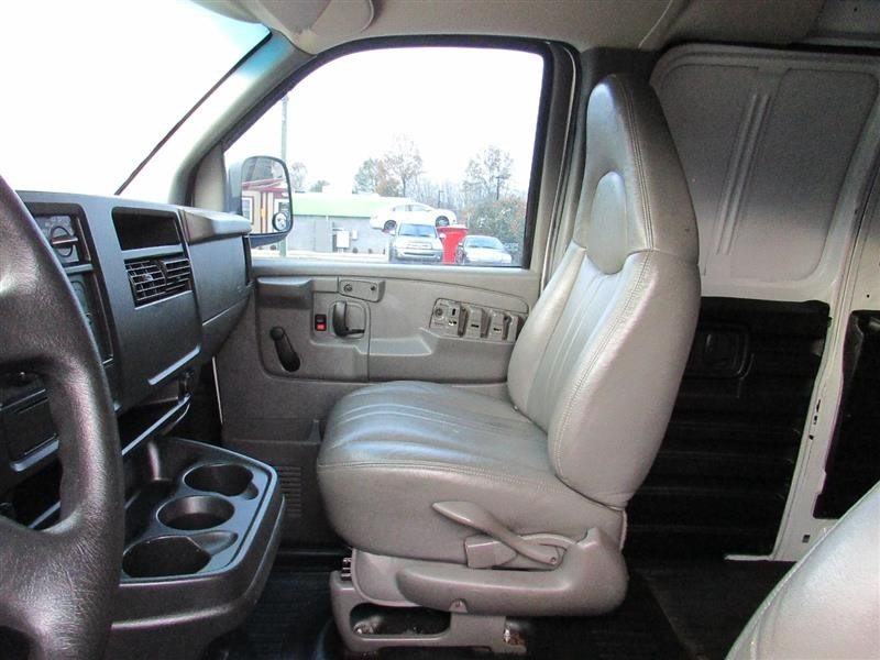 CHEVROLET EXPRESS CARGO VAN 2003 price $6,994