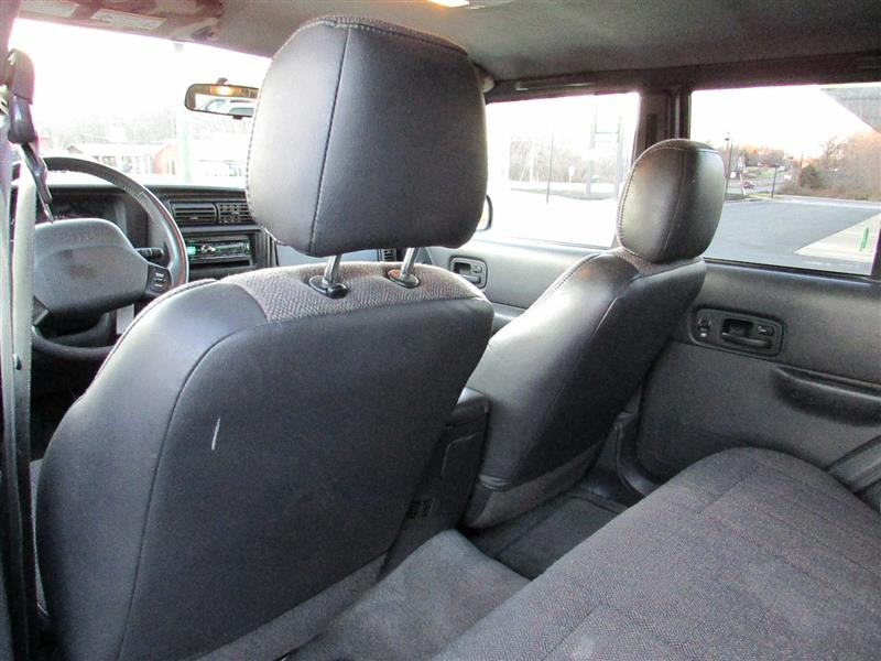 JEEP CHEROKEE 2000 price $7,994