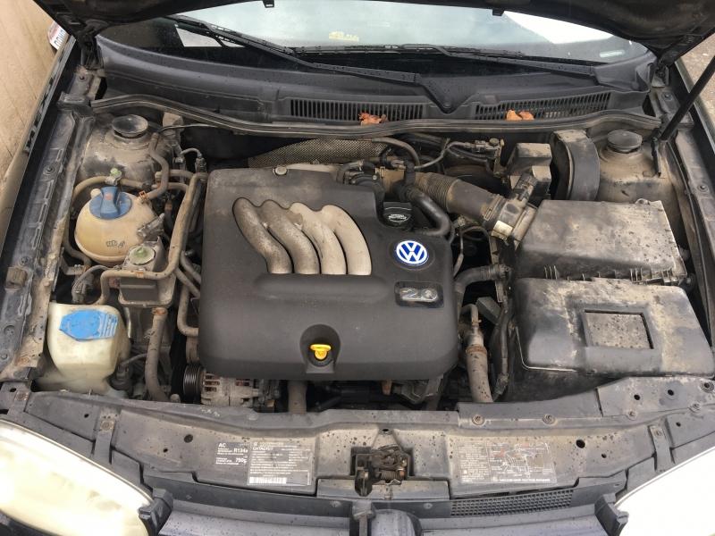 Volkswagen Golf 2000 price $1,000