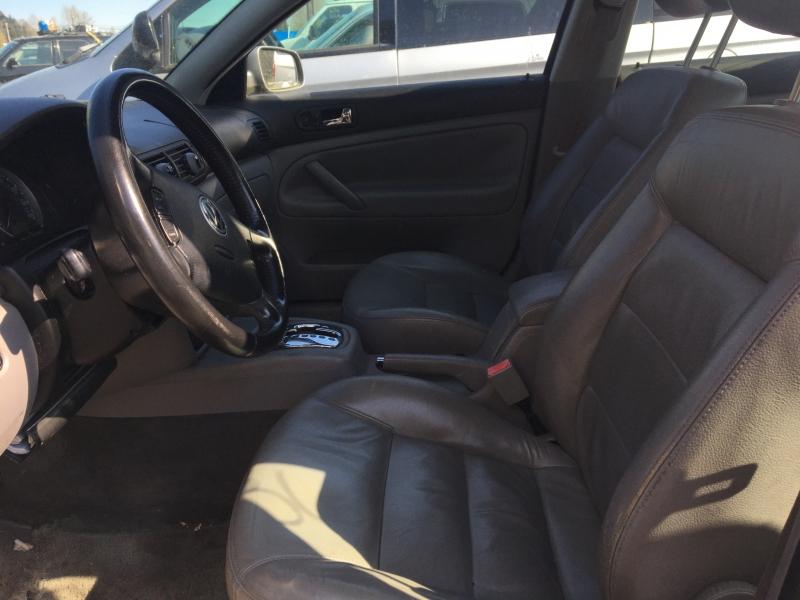 Volkswagen Passat 2003 price $675 Starting Bid