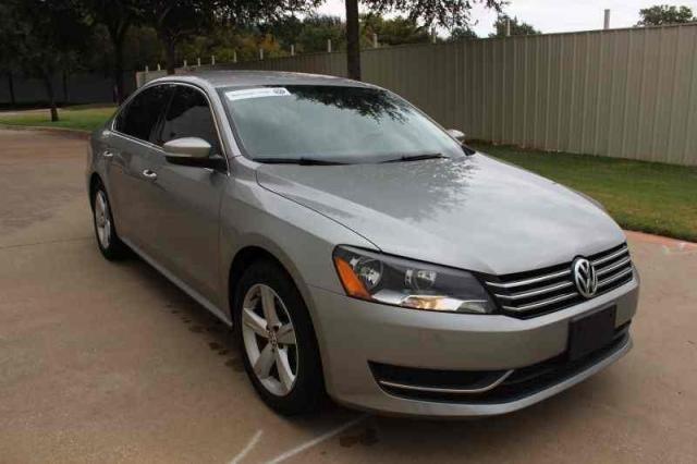 2013 Volkswagen Passat SE Heated Seats