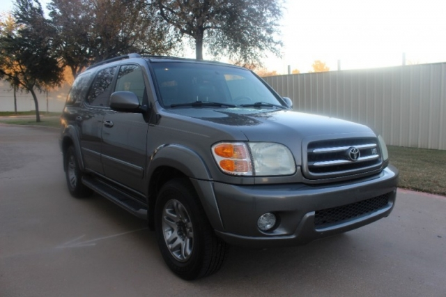 2004 Toyota Sequoia Limited Leather 3rd Row