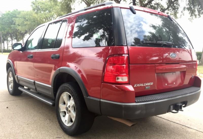 Ford Explorer 2003 price $2,990