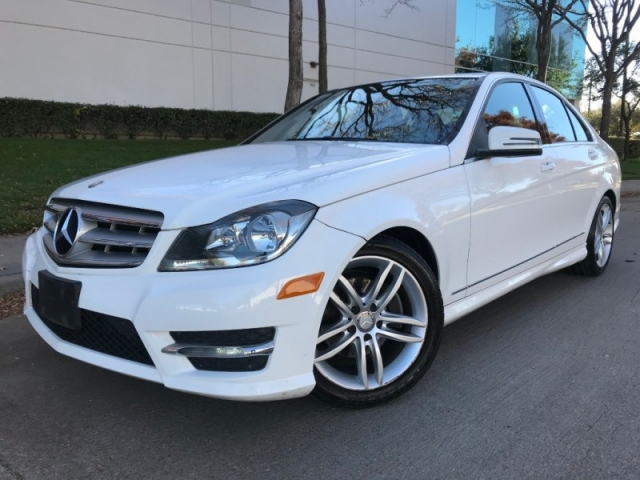 2013 Mercedes-Benz C250, Luxury Pkg, Navi, Back up camera