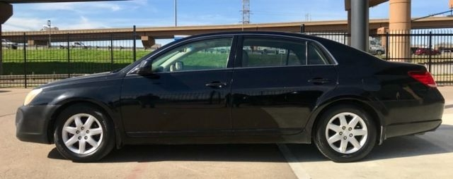 Toyota Avalon One Owner 2006 price $2,990