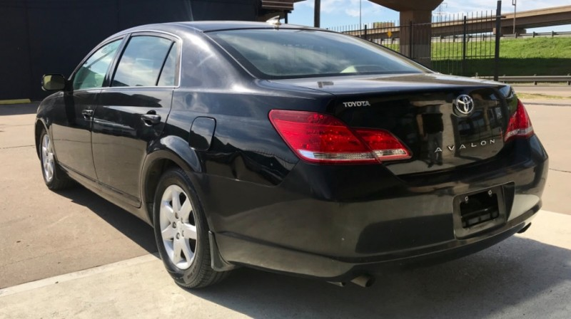 Toyota Avalon One Owner 2006 price $3,290