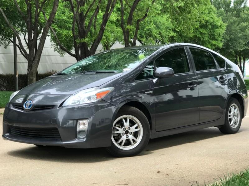 Toyota Prius 2010 price $7,490