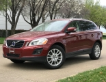 Volvo XC60 AWD w/Moonroof 2010