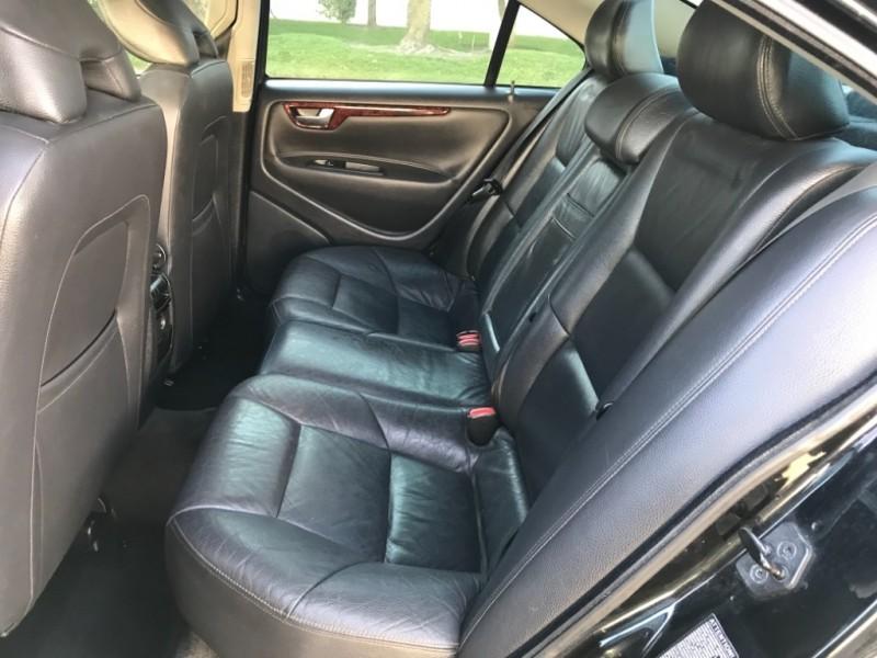 Volvo S60 2006 price $2,990