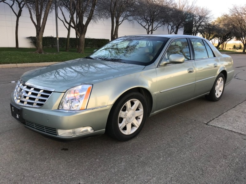 Cadillac DTS 2006 price $4,990