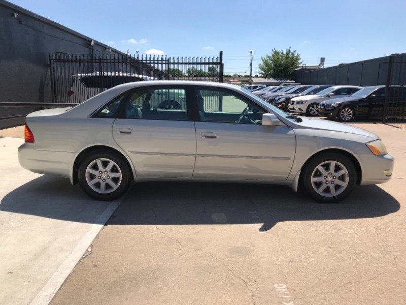 Toyota Avalon XLS, ONE OWNER, LEATHER 2001 price $4,990