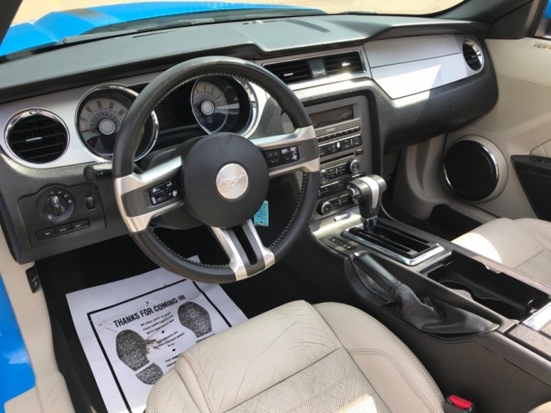 Ford Mustang, CONVERTIBLE 2010 price $7,990