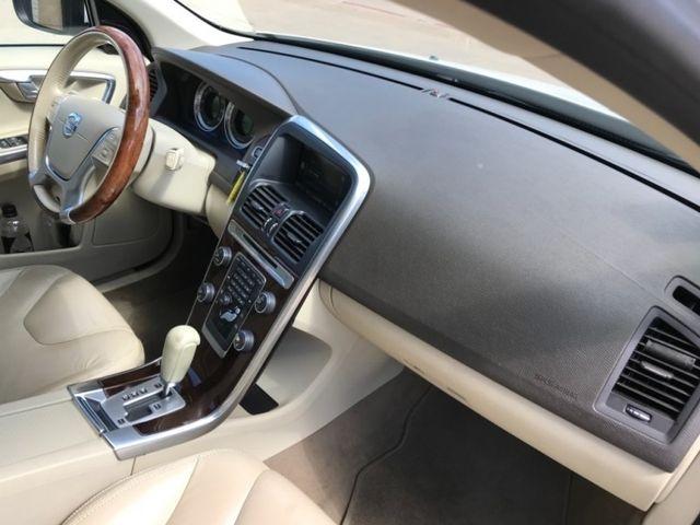Volvo XC60, PANO ROOF 2012 price $11,490